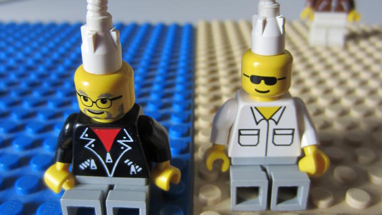 Defragmentierung-Lego-768x1024-1